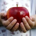 Mozgásos játékok almával
