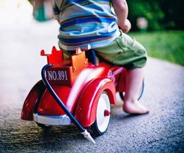 Játékos közlekedés mozgással – ovis ötletek közlekedés témakörhöz